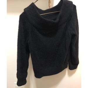 ✨H&M✨Worn Once✨Off-the-Shoulder Heavy Sweater